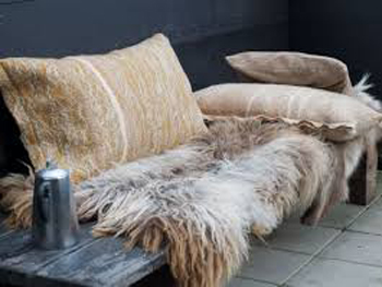 cosy outdoor throws